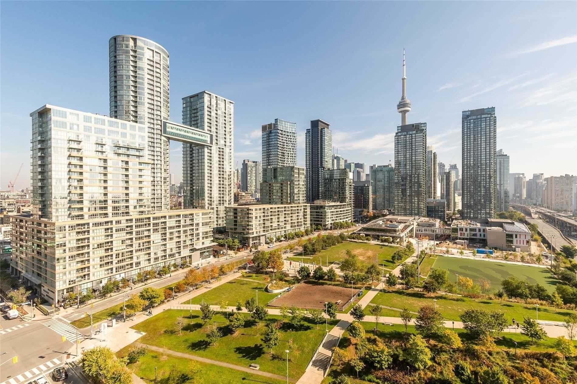Quartz Condos Condos: 75 Queens Wharf Road, Toronto, ON