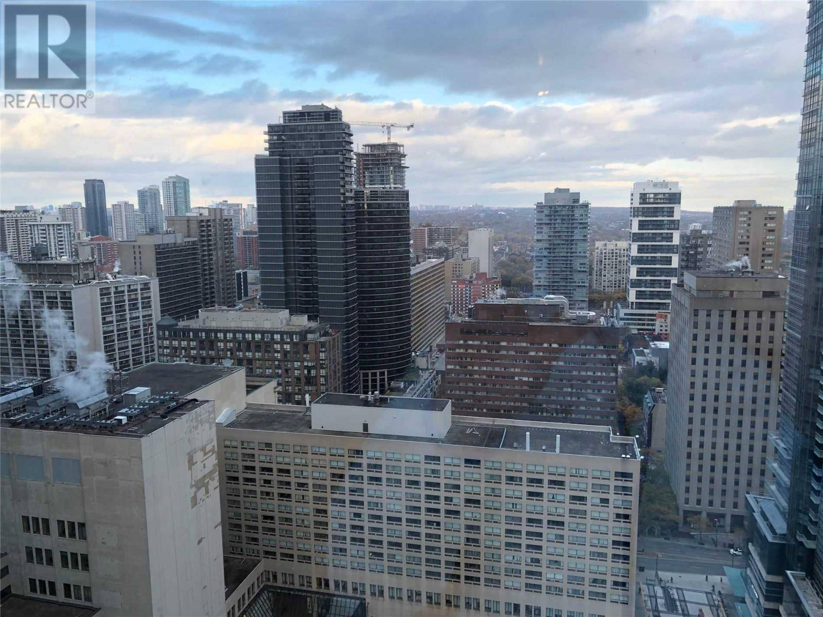 Apartment for rent at 761 Bay St Unit 3303 Toronto Ontario - MLS: C4629611