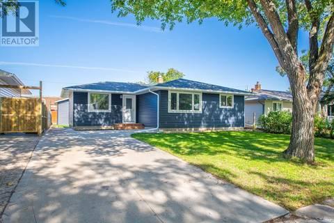 House for sale at 3304 28th Ave Regina Saskatchewan - MLS: SK796830