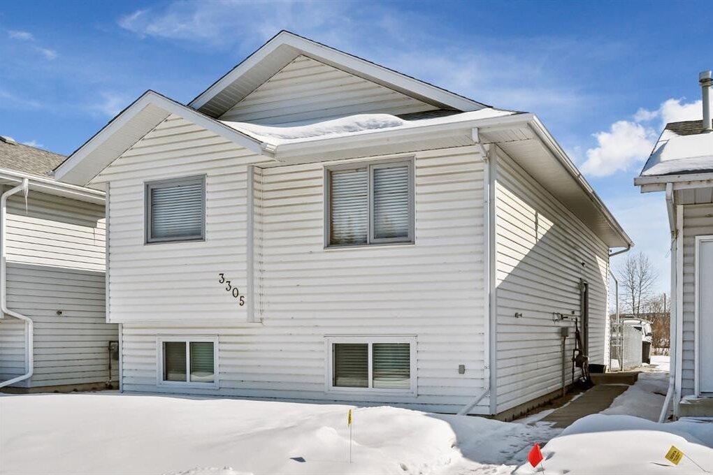 House for sale at 3305 50 Ave Sylvan Lake Alberta - MLS: CA0191867