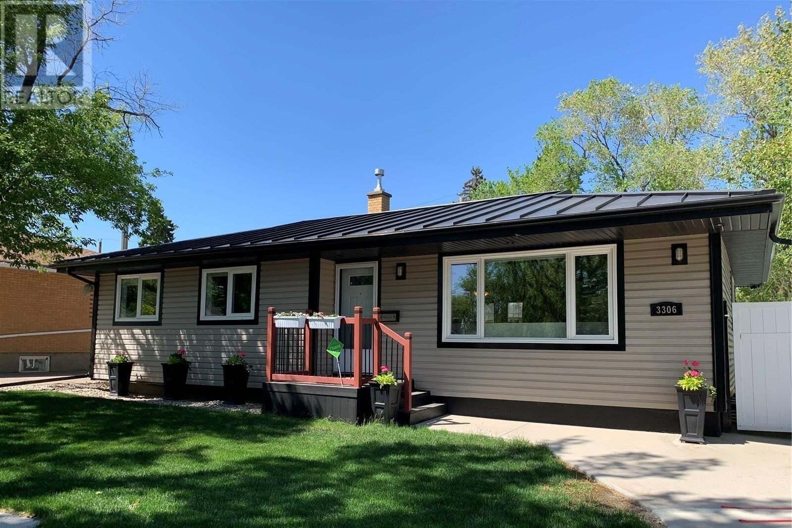 House for sale at 3306 4th Ave N Regina Saskatchewan - MLS: SK810544