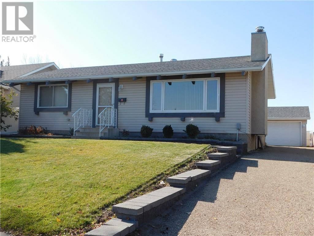House for sale at 3306 67 St Camrose Alberta - MLS: ca0180870