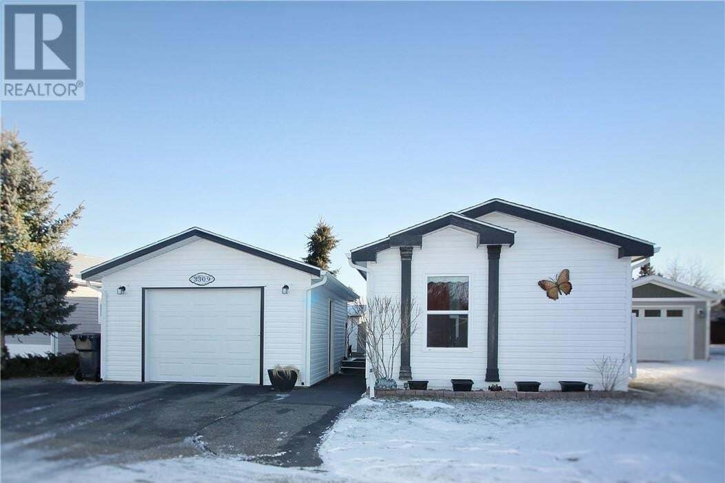 Home for sale at 3309 29 St South Lethbridge Alberta - MLS: LD0188447
