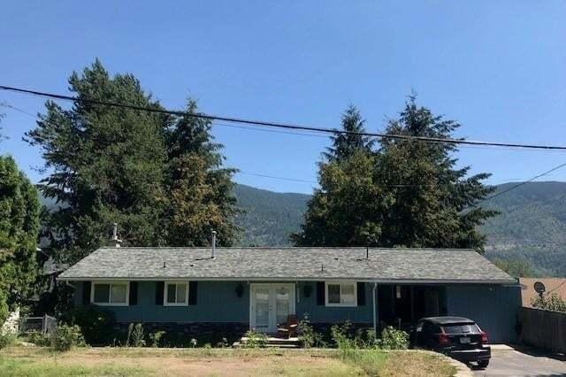 House for sale at 3309 9th Avenue  Castlegar British Columbia - MLS: 2450926