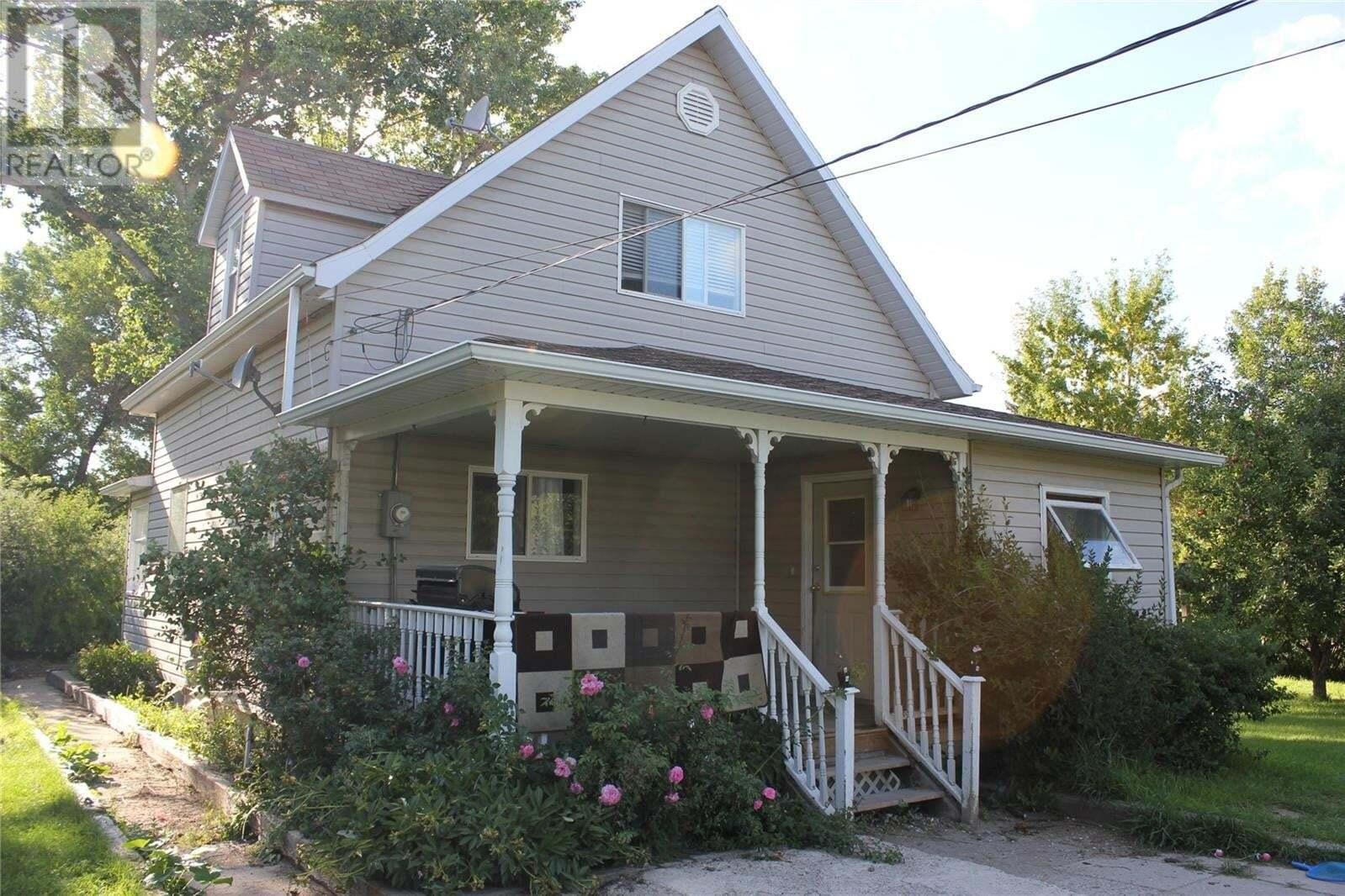 House for sale at 331 Dennis St Herbert Saskatchewan - MLS: SK815386