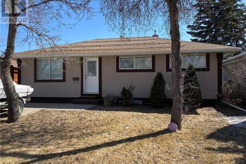 House for sale at 331 Mcintosh St Regina Saskatchewan - MLS: SK804723