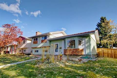 House for sale at 3312 48 St Northeast Calgary Alberta - MLS: C4273852