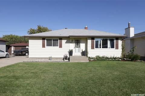 House for sale at 3312 Perry Ave Regina Saskatchewan - MLS: SK788593
