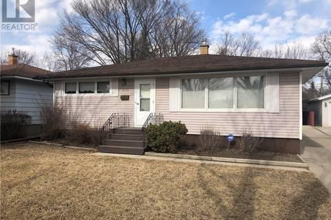 House for sale at 3316 Avonhurst Dr Regina Saskatchewan - MLS: SK799277