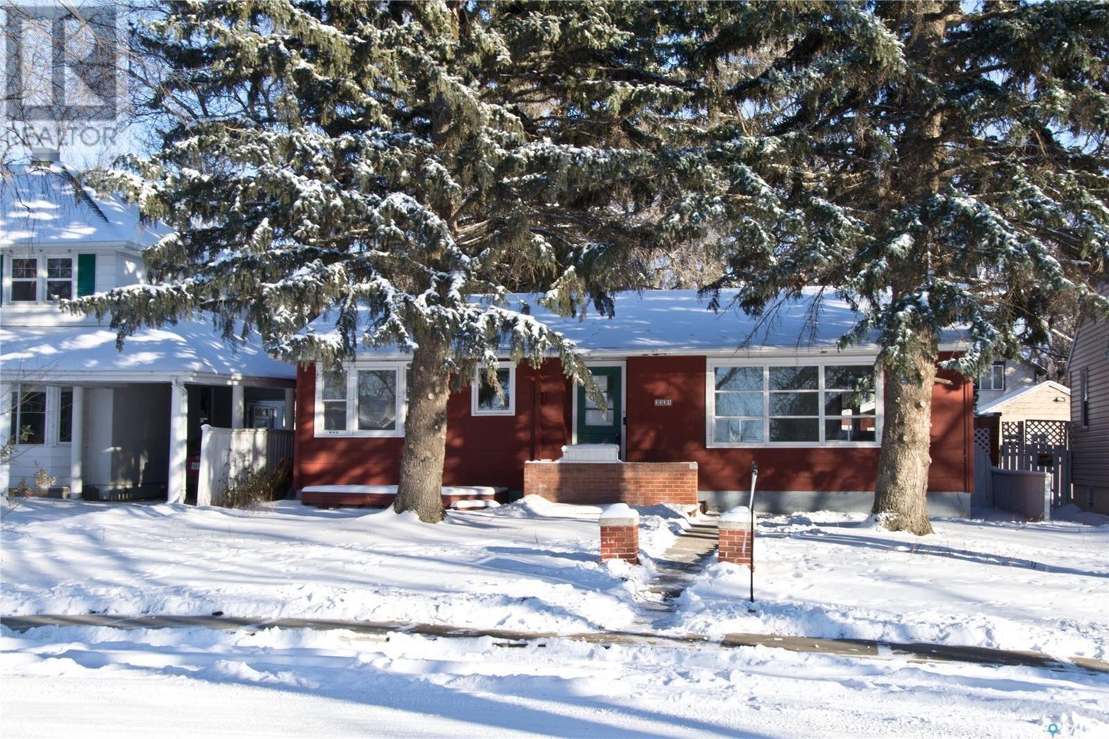 House for sale at 3331 Rae St Regina Saskatchewan - MLS: SK833532