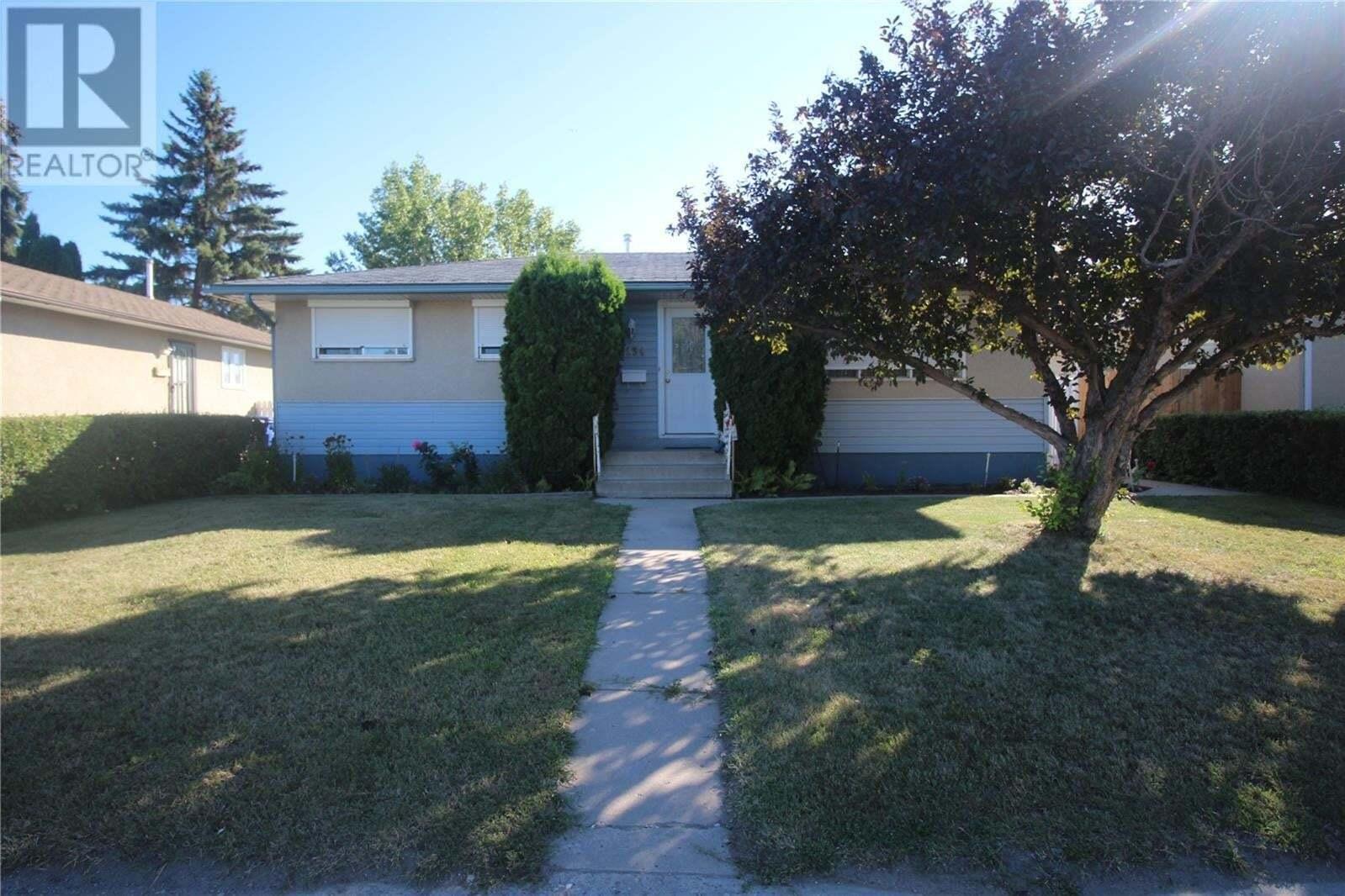 House for sale at 3334 Diefenbaker Dr Saskatoon Saskatchewan - MLS: SK826856