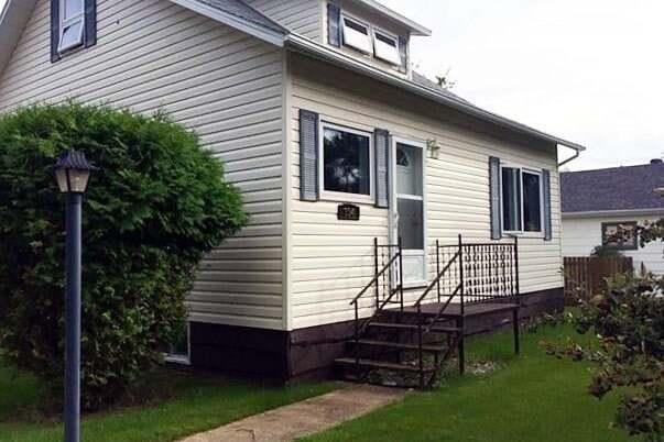 House for sale at 334 Aberdeen St Elbow Saskatchewan - MLS: SK815793