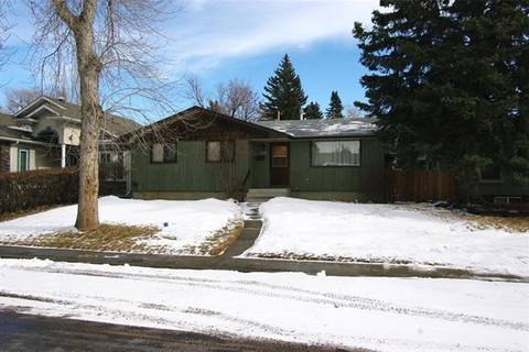 House for sale at 3340 Caribou Dr Northwest Calgary Alberta - MLS: C4289880