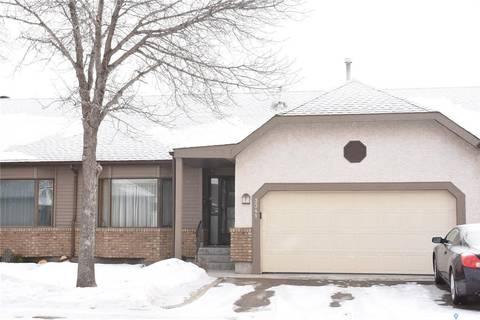 Townhouse for sale at 3341 Brookshire Ln Regina Saskatchewan - MLS: SK800101