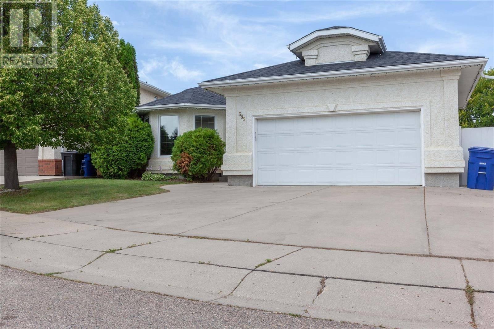 House for sale at 335 Blackthorn Cres Saskatoon Saskatchewan - MLS: SK782303