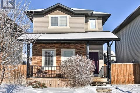 House for sale at 335 Lynd Ln Saskatoon Saskatchewan - MLS: SK798325