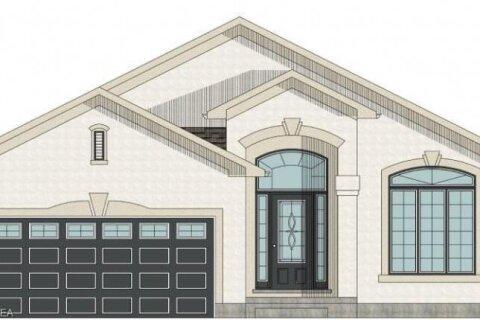 House for sale at 335 Oak St Bothwell Ontario - MLS: 40056359