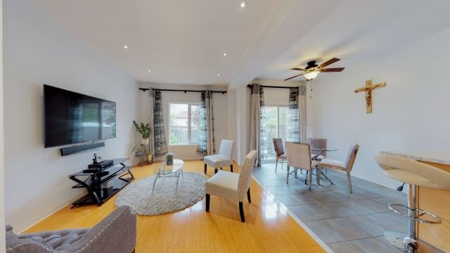 Sold: 3353 Covent Crescent North, Mississauga, ON