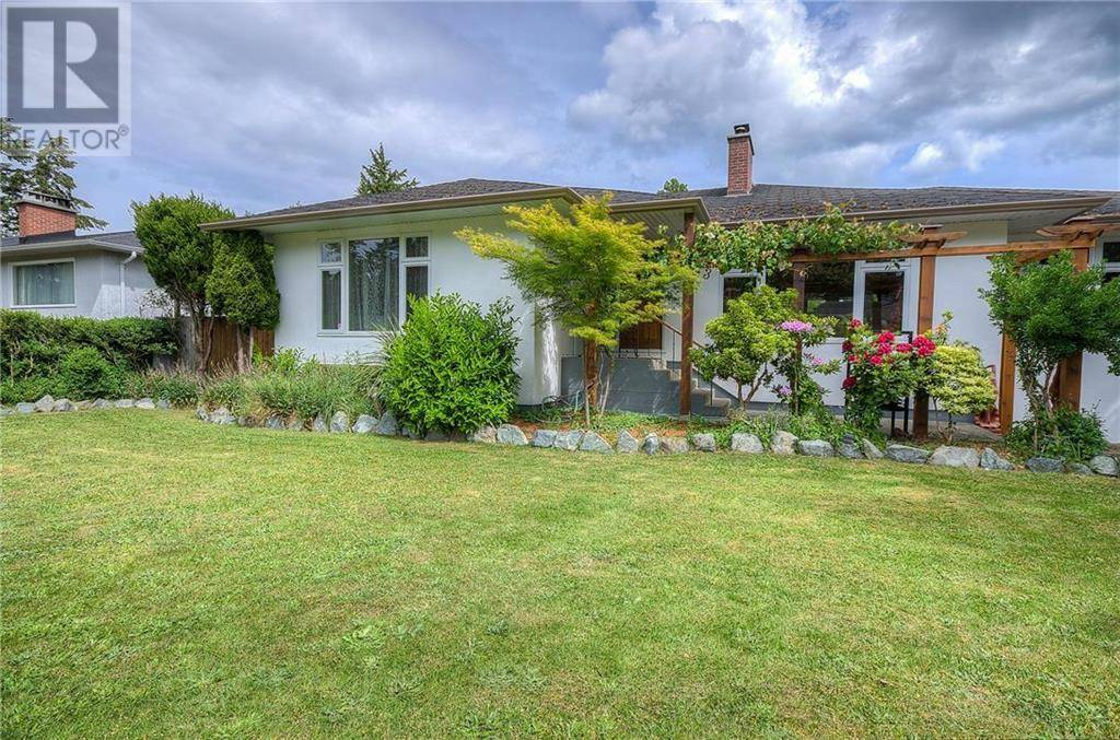House for sale at 3353 Henderson Rd Victoria British Columbia - MLS: 421966