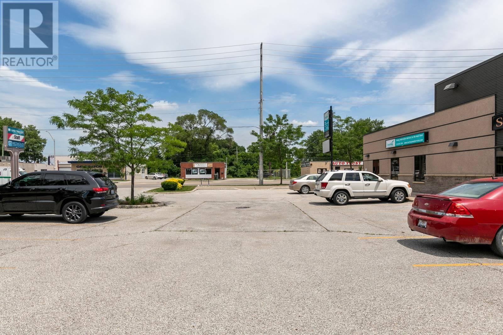 3353 Walker Road, Windsor   Image 2