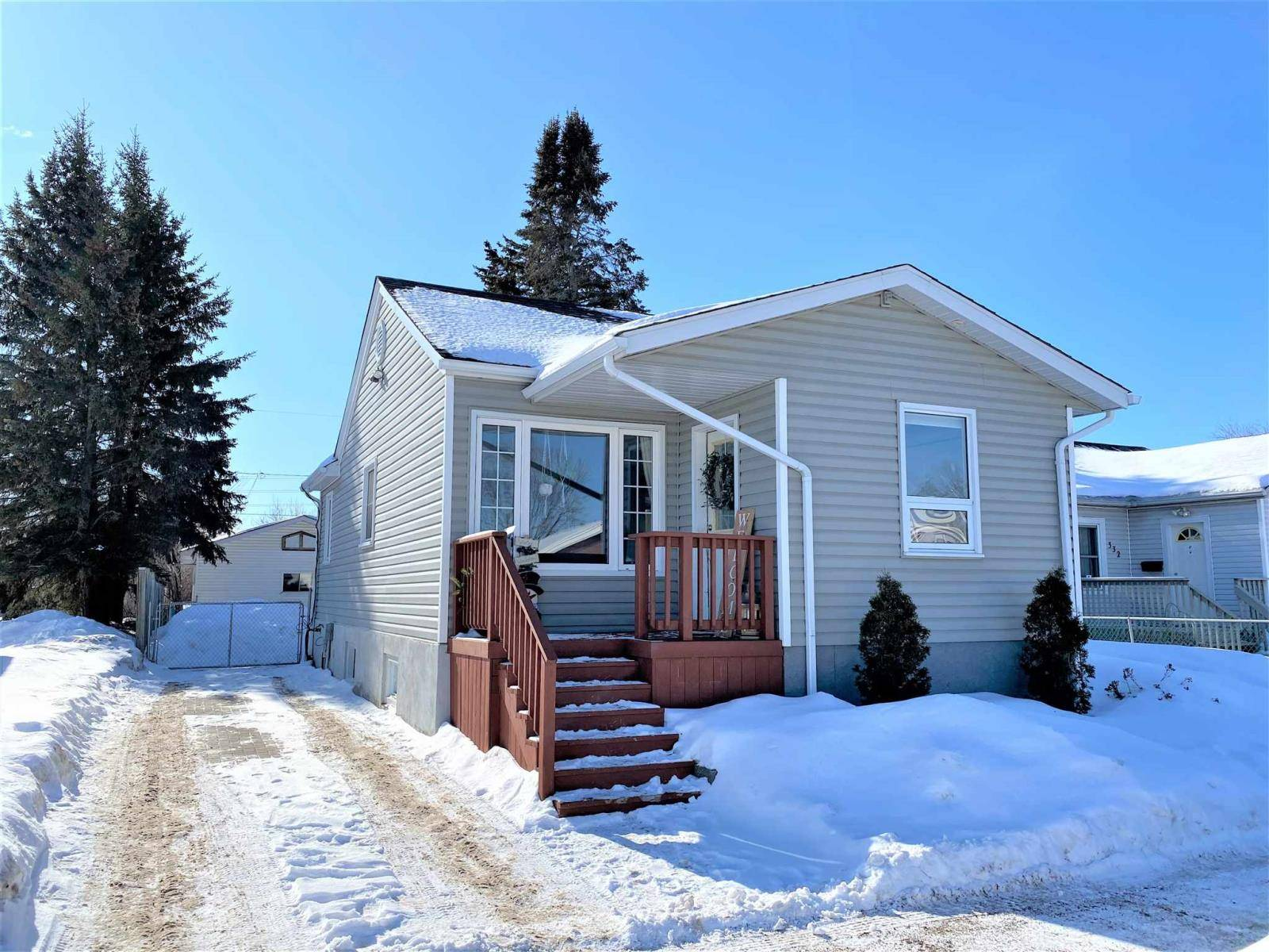 House for sale at 336 Christina St E Thunder Bay Ontario - MLS: TB200327