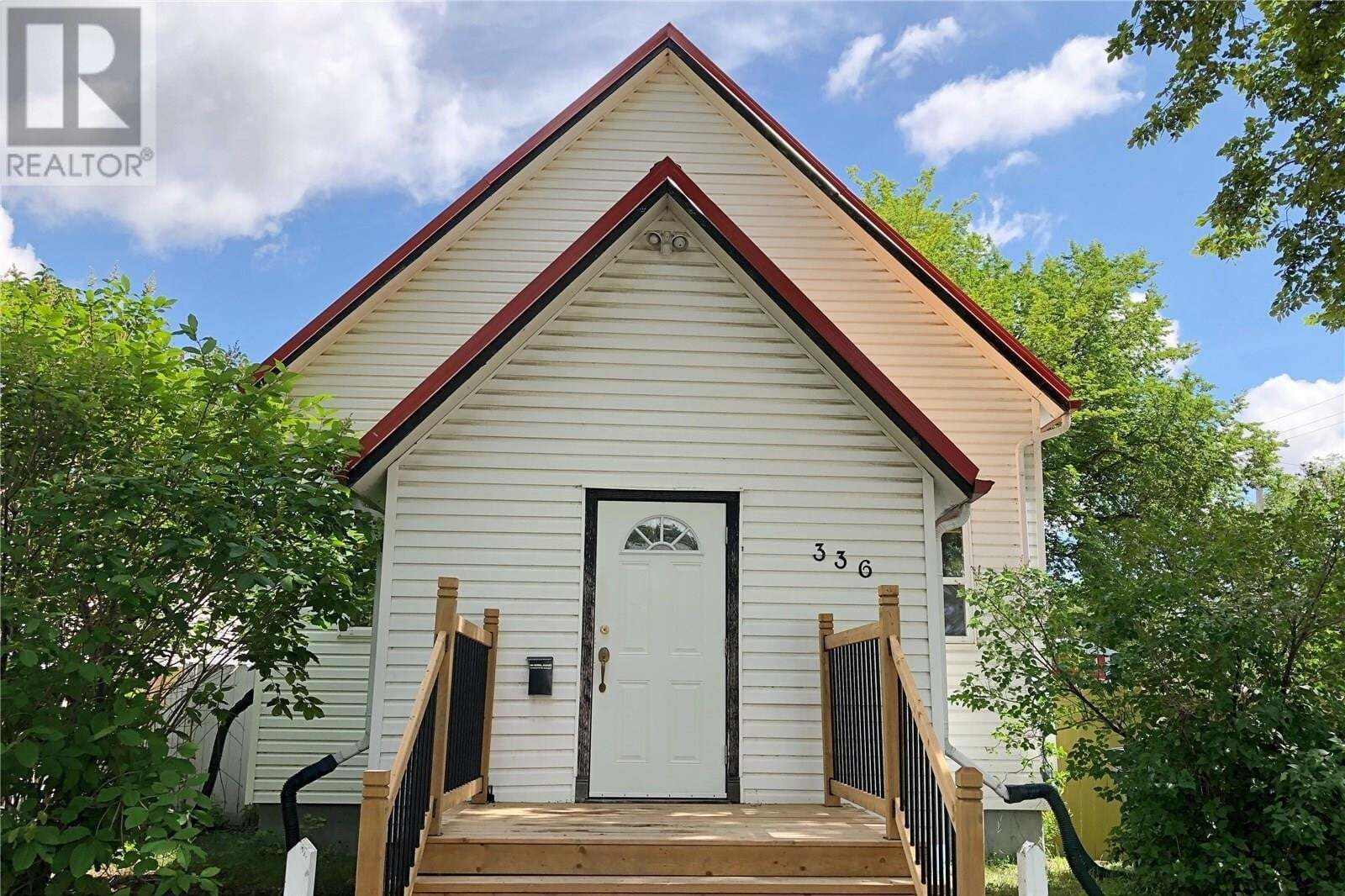 House for sale at 336 I Ave S Saskatoon Saskatchewan - MLS: SK828991