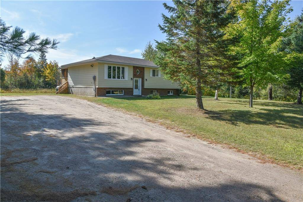 House for sale at 337 Achray Rd Pembroke Ontario - MLS: 1170100