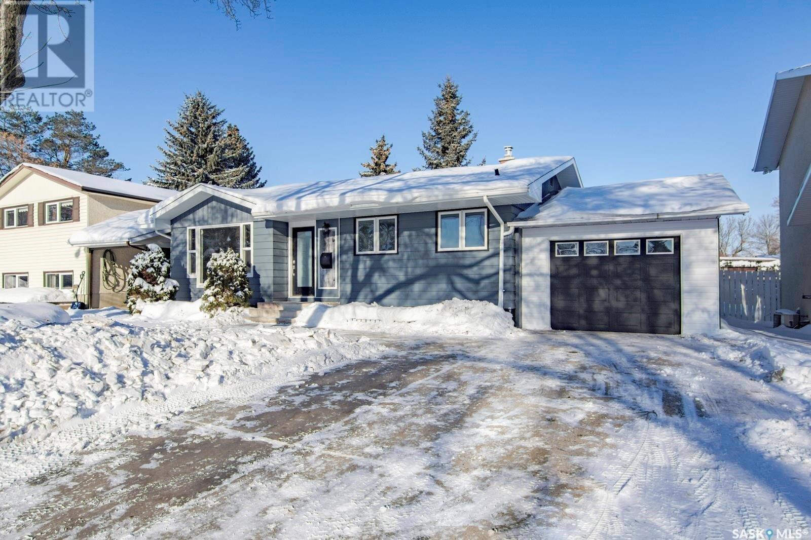 337 Dalhousie Crescent, Saskatoon   Image 1
