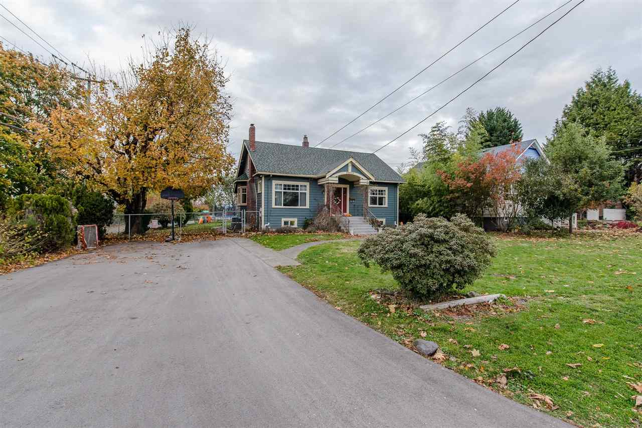 For Sale: 33859 Elm Street, Abbotsford, BC | 4 Bed, 1 Bath House for $899,900. See 20 photos!