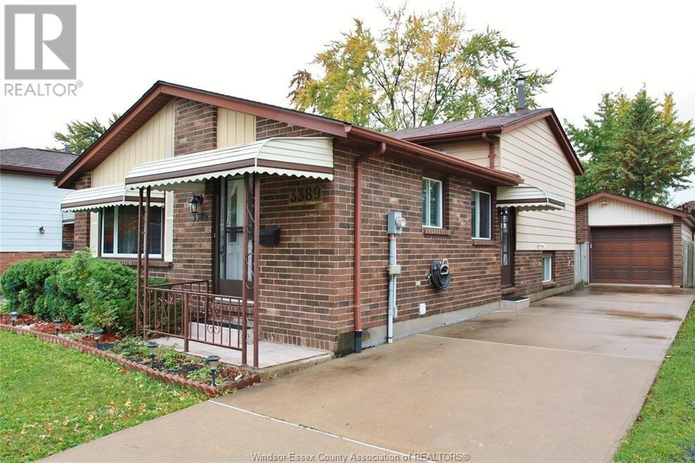 House for sale at 3389 Deerbrook  Windsor Ontario - MLS: 20014548