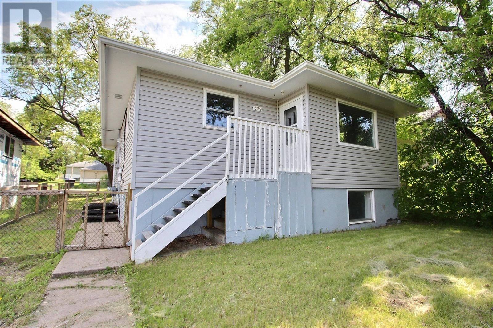 House for sale at 339 19th St E Prince Albert Saskatchewan - MLS: SK776369