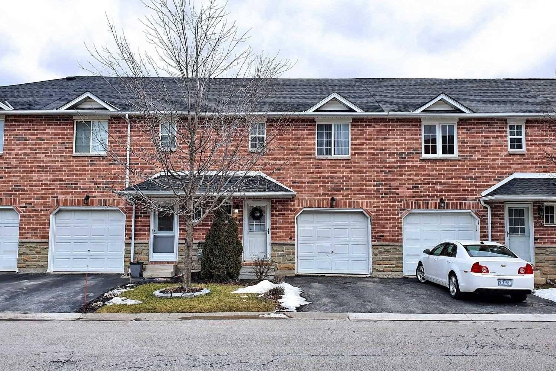 Buliding: 39 Pinewoods Drive, Hamilton, ON