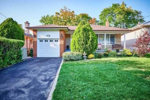 House for sale at 34 Alpaca Dr Toronto Ontario - MLS: E4923713