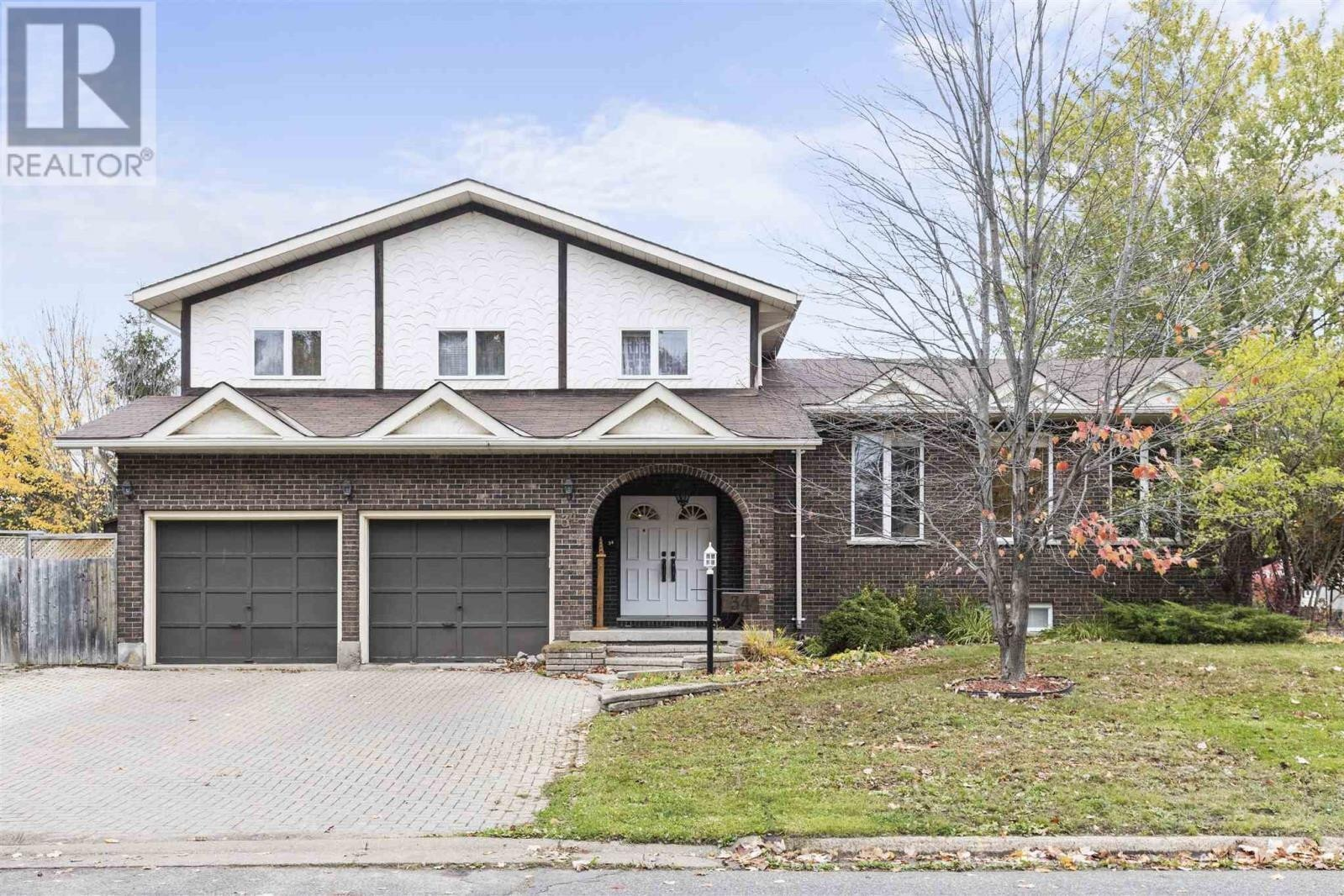 House for sale at 34 Country Club Pl Sault Ste. Marie Ontario - MLS: SM130083