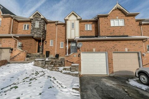Townhouse for sale at 34 Gadwall Ave Barrie Ontario - MLS: S4995475