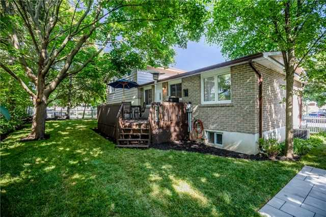 For Sale: 34 Indian Arrow Road, Barrie, ON   3 Bed, 3 Bath House for $599,900. See 19 photos!