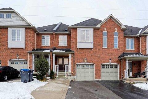 Townhouse for sale at 34 Pefferlaw Circ Brampton Ontario - MLS: W5083558