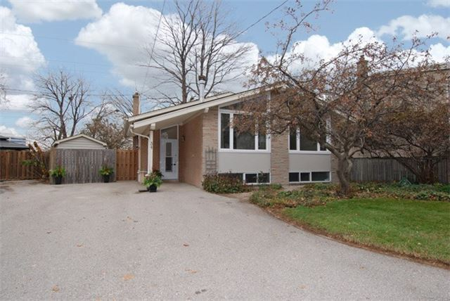 Sold: 34 Sagamore Crescent, Toronto, ON