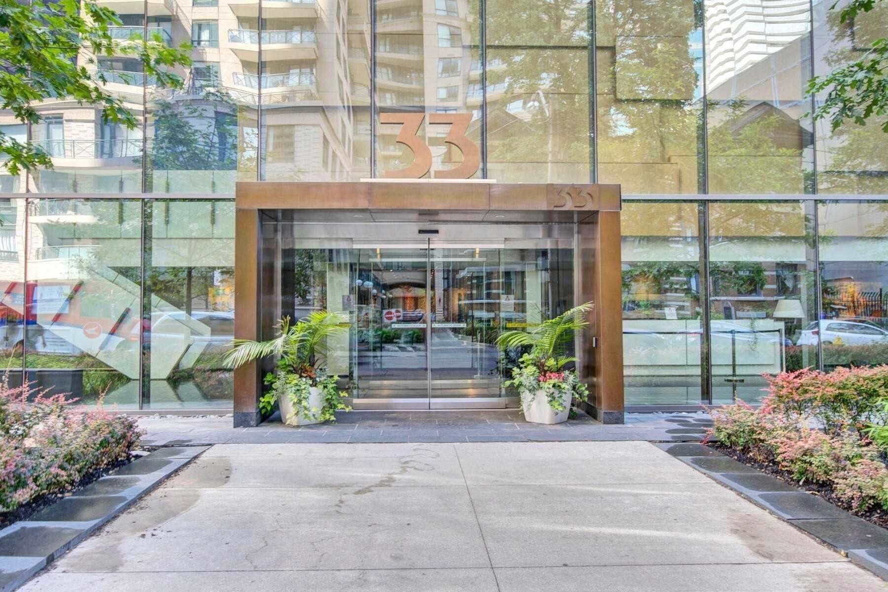 Apartment for rent at 33 Charles St Unit 3401 Toronto Ontario - MLS: C4866438