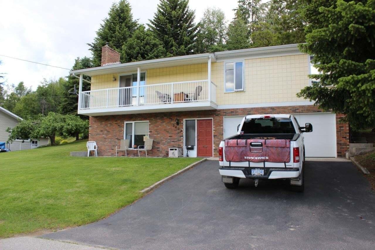 House for sale at 3404 9th Avenue  Castlegar British Columbia - MLS: 2452318