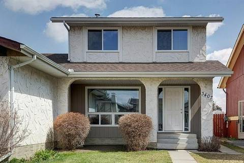 Townhouse for sale at 3407 Cedarille Dr Southwest Calgary Alberta - MLS: C4242511