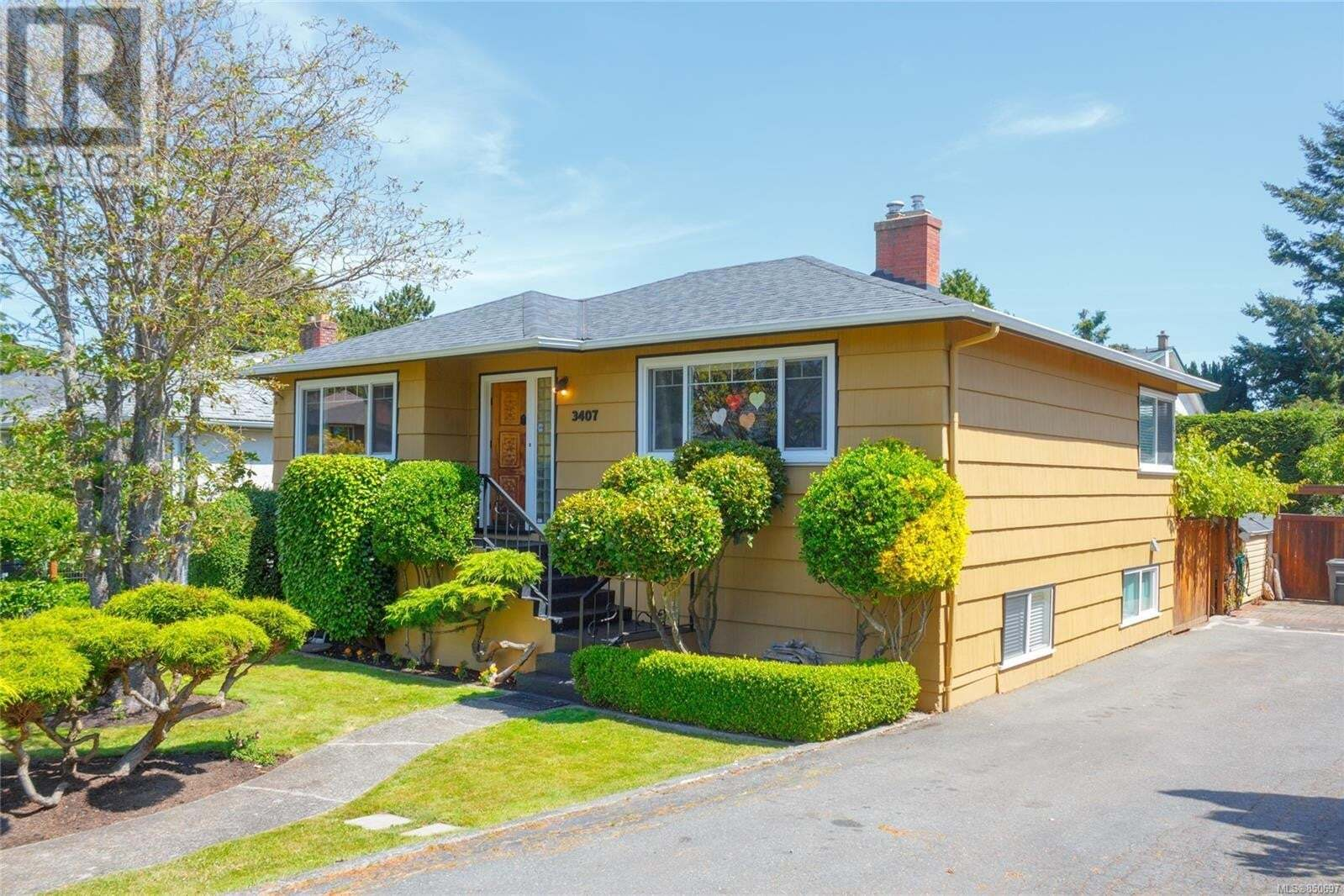 House for sale at 3407 Doncaster  Saanich British Columbia - MLS: 850697