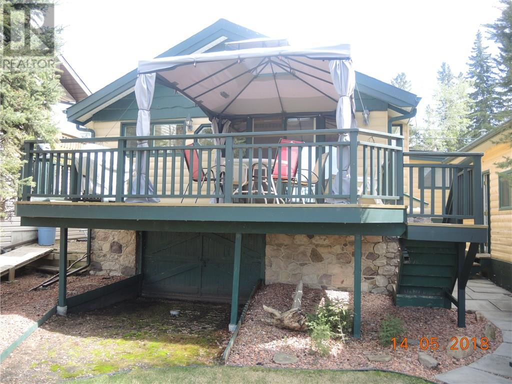 For Sale: 3415 Lakeshore Drive, Sylvan Lake, AB   2 Bed, 2 Bath House for $690,000. See 30 photos!