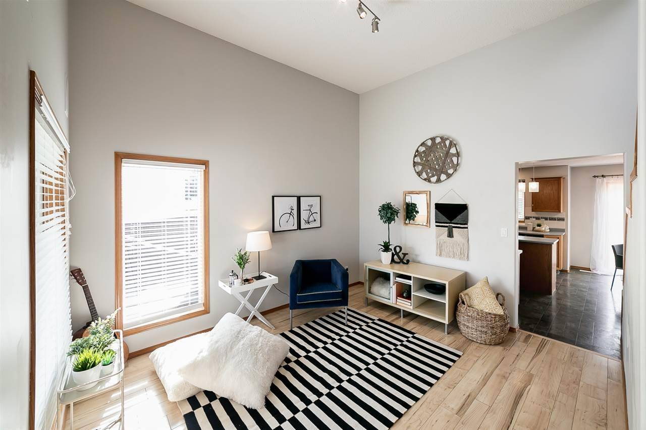 House for sale at 342 Beringer Cres Nw Edmonton Alberta - MLS: E4175053