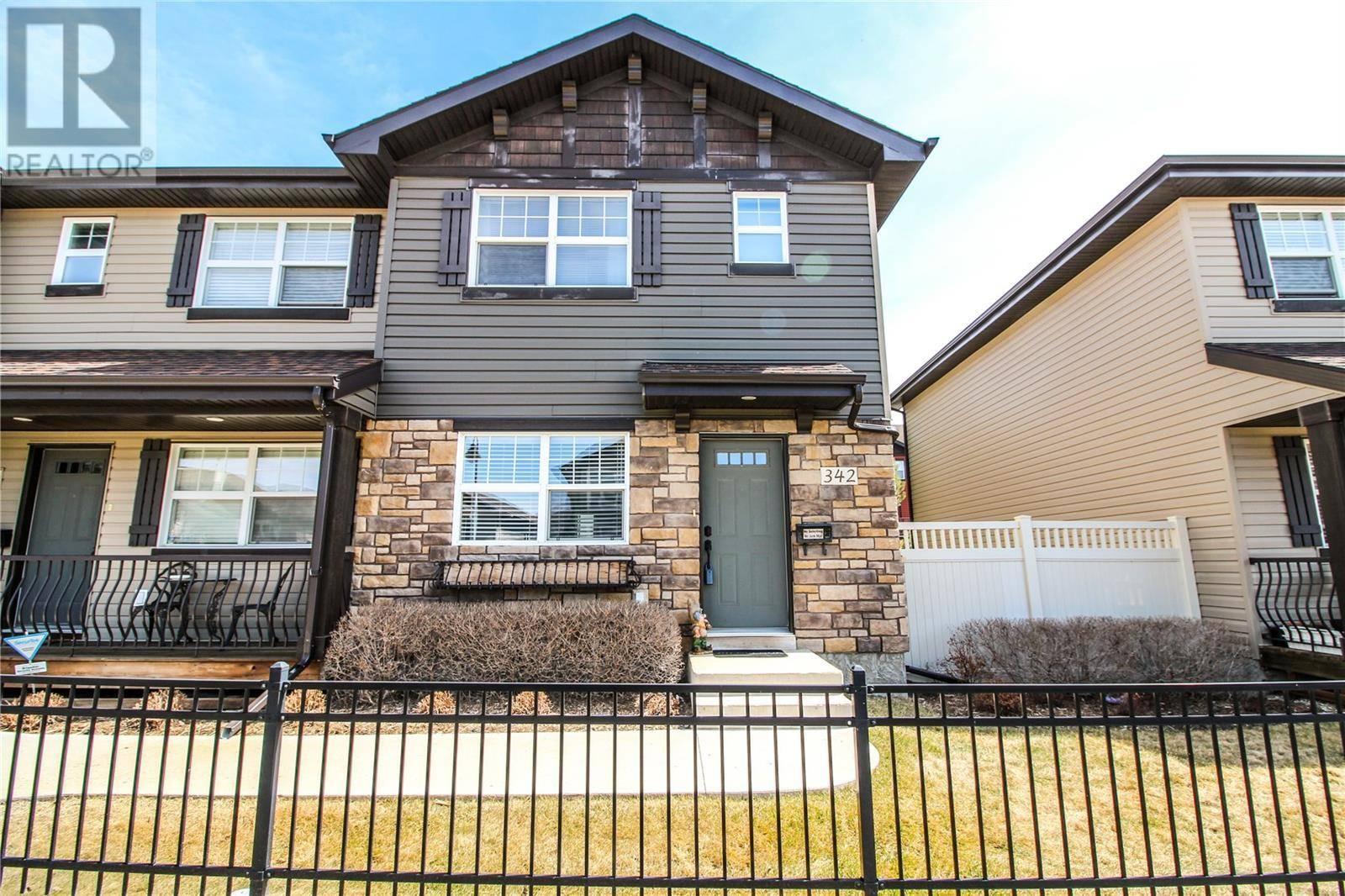 Townhouse for sale at 342 Levalley Cv  Saskatoon Saskatchewan - MLS: SK800569