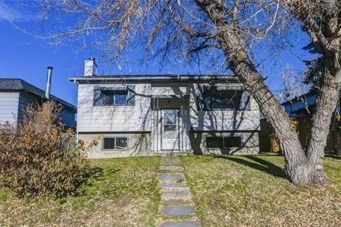 House for sale at 3420 Dover Ridge Dr Southeast Calgary Alberta - MLS: C4274030