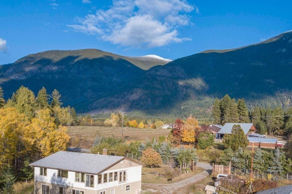 House for sale at 3421 Canyon Lister Rd Canyon British Columbia - MLS: 2455046