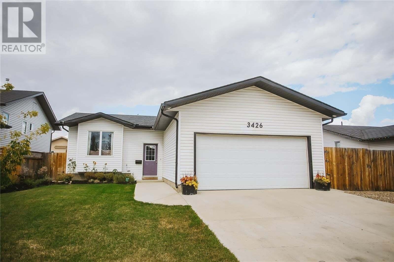 House for sale at 3426 37th St W Saskatoon Saskatchewan - MLS: SK826460