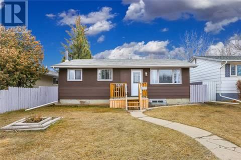 House for sale at 3429 33rd St W Saskatoon Saskatchewan - MLS: SK766343