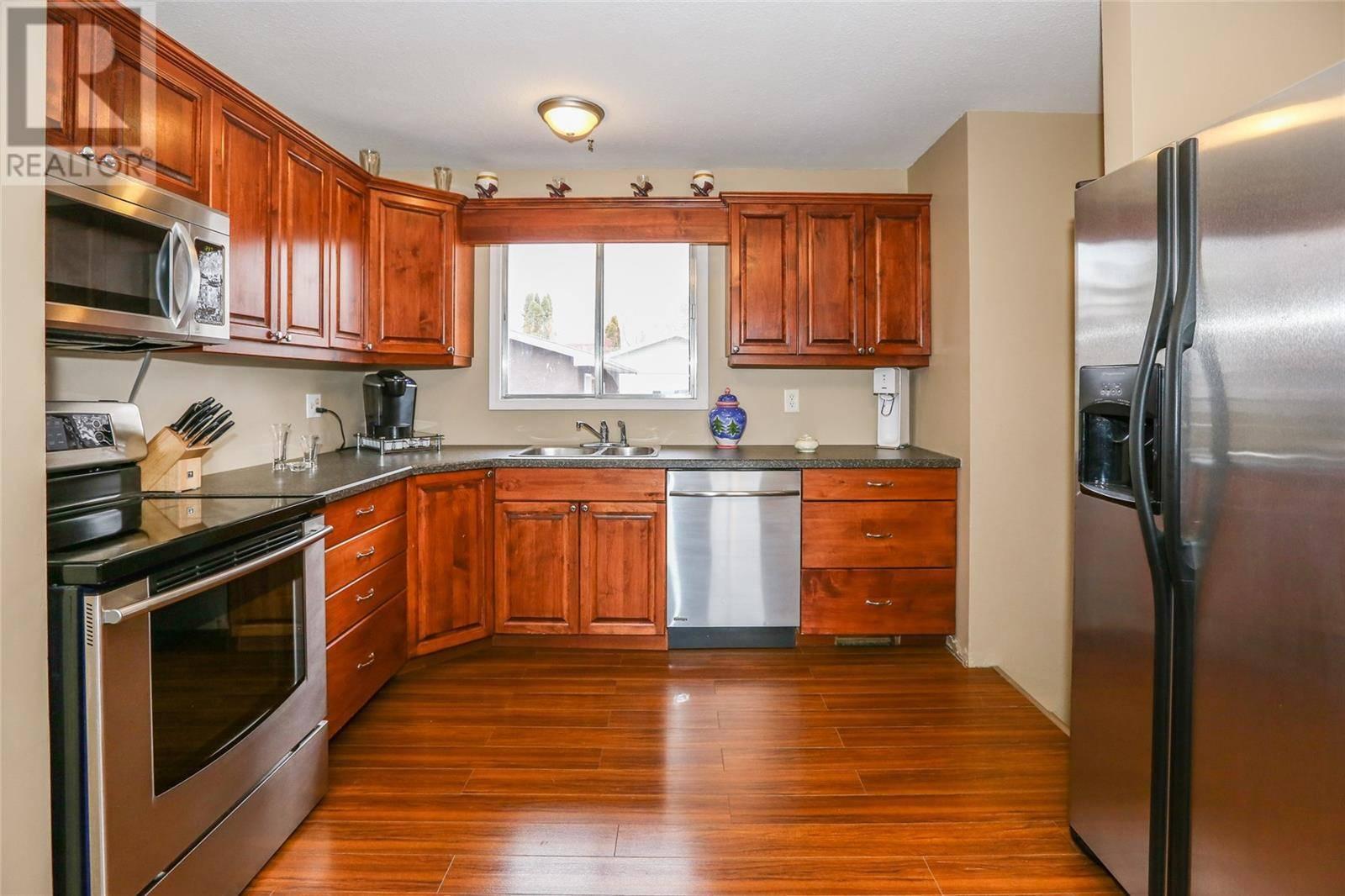 House for sale at 3429 33rd St W Saskatoon Saskatchewan - MLS: SK790313